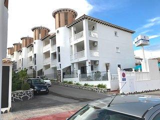 2 Bedroom Air- Conditioned Penthouse Apartment in El Pinet La Marina