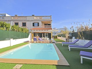MARCOS - House for 8 peopole with private swimming pool