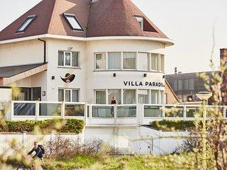 Luxe kustvilla met 8 slaapkamers geschikt voor 16 personen, weekend of midweek