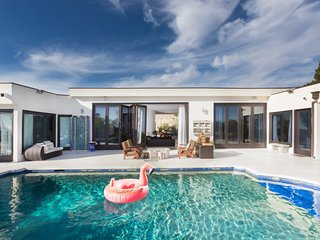 Carla Ridge Villa w/ Salt-Water Pool