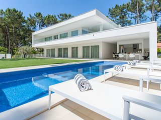5 bedroom Villa in Aroeira, Setubal, Portugal : ref 5682595