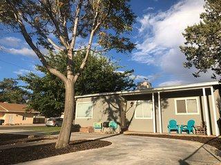 MidCentury Midtown home (Northeast) Albuquerque