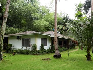 Quiet Garden Cottage at Palawan!