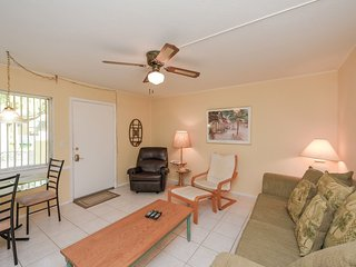 Two Bedroom/ One Bath with Heated Pool and Beach Access at Sea Club 2!!-9E