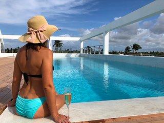 Deluxe Studio 4ppl Pool WiFi Beach club #206