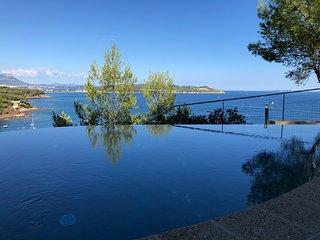 Fabregas Seafront Villa - Vivez l'exception