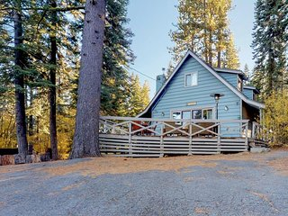 Perfectly located lakeview dog-friendly home w/ spacious deck & private hot tub!