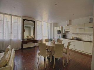 AJACCIO - Agreable appartement de standing place Miot F3-174