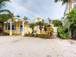 Indulgent cottage w/ Gulf views, private pool, and easy beach access!
