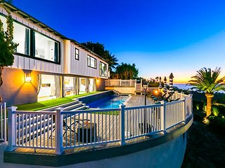 Beautiful NEW LISTING - Outdoor Living, Pool/Hot Tub, Firepit & Ocean Views