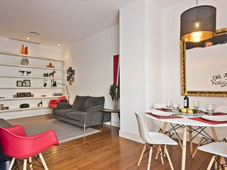Campo Pequeno Terrace Apartment (C90)