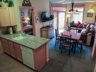 Ski-In/Ski-Out, Updated Condo At Sunstone Lodge! Great Complex Amenities!