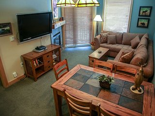 Ski-In/Ski-Out Condo At Sunstone Lodge! Great Complex Amenities!