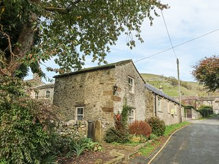 THE LITTLE HOUSE AT FAIRLAWN, open-plan, couples retreat, near Kettlewell