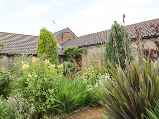 THE SMITHY,  dog-friendly, woodburner, near Beverley