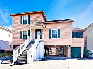 Spacious 4BR w/ Golf Cart, Sun Porch & All-Suite Bedrooms – Walk to Beach