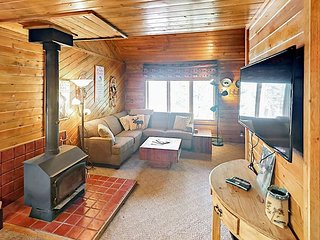 Cozy 3BR Home Near Breckenridge Ski Resort & Prime Fishing