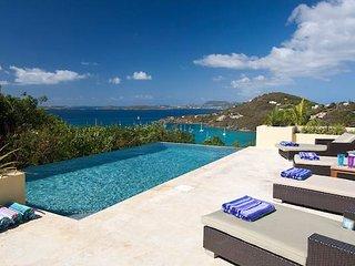 Tre Vista Estate! Amazing Views! Private Pool! Sleeps 10!