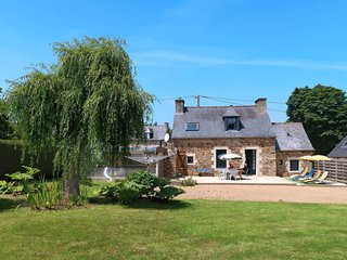 3 bedroom Villa in Bréhec, Brittany, France : ref 5682760