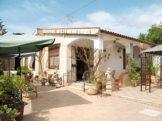 2 bedroom Villa in Ognina, Sicily, Italy : ref 5682868