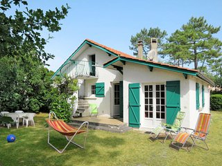 2 bedroom Villa in Montalivet-les-Bains, Nouvelle-Aquitaine, France : ref 568275