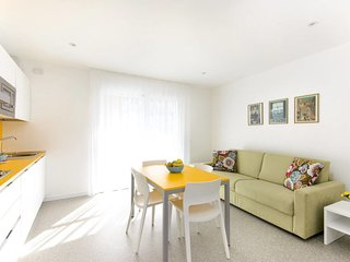 1 bedroom Apartment with Air Con, WiFi and Walk to Beach & Shops - 5795134