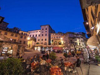 4 bedroom Apartment in Cortona, Tuscany, Italy : ref 5218356