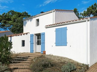 4 bedroom Villa in La Terriere, Pays de la Loire, France : ref 5682799