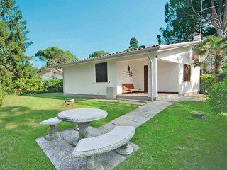 2 bedroom Villa in Lignano Riviera, Friuli Venezia Giulia, Italy : ref 5682881