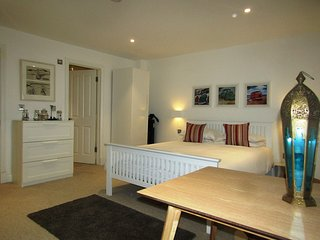 Cosy Stylish Room  & Private En-suite (1)