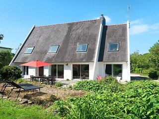 3 bedroom Apartment in Kervebel, Brittany, France : ref 5682803