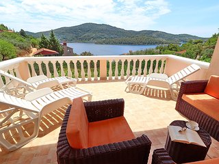 Holiday Home Diana - Two Bedroom Apartment with Terrace and Sea View