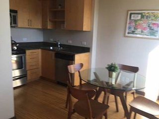 High Rise Condo in Downtown w/Free Secure Parking