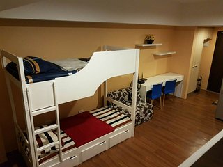 STUDIO APARTMENT THAT SLEEPS 4