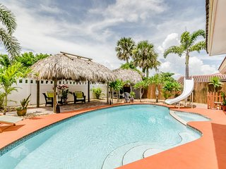 NEW LISTING! Family-friendly house w/private pool, backyard Tiki hut & tree fort