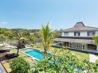 Spacious 5 Bedroom Villa Close to Jimbaran Beach;