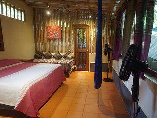 La Siesta, Casa Bambu