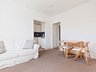 Cosy, Homey 1-Bed apt in Brixton, 6 min to tube