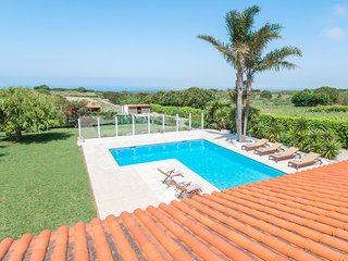 Aldeia Nova da Azoia Villa Sleeps 10 with Pool - 5682594