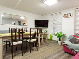 (m01) New 2 Bed patio apartment close to Hyde Park