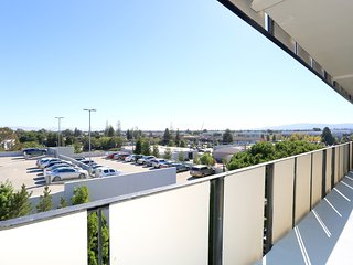 Newly Furnished Rental 1bd/1db Redwood City With Private Balcony