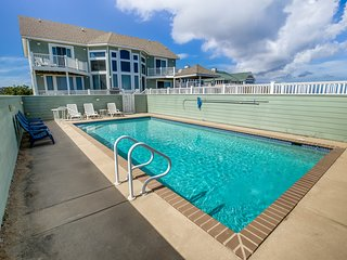 Duck 'N Out Sleep 'N Inn | Oceanfront | Private Pool, Hot Tub