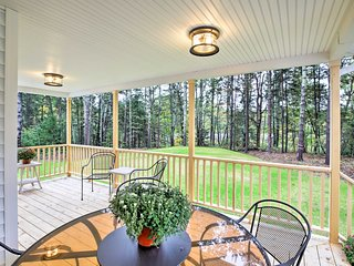 NEW! Updated Freeport House w/Porch Near Downtown!
