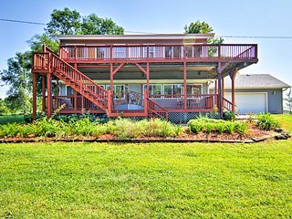 Lincoln Home on 2.75 Acres w/ Decks & Grill!