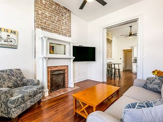 Luxury 2BR condo in Uptown