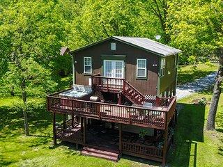 Bear Valley  Riverfront cabin on the Shenandoah River