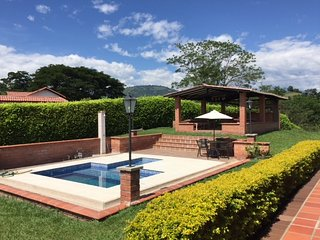 casa campestre ideal para familias - relax in sunny warm rural cond for families