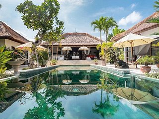 Garden & Pool View - Villa Tibu Indah