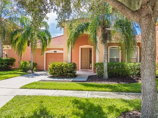 Executive 4 Bedroom / 3 Bathroom Lake View Home in Gated Resort Community
