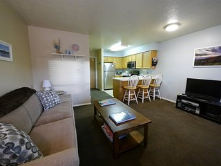 1 Bedroom Wolf Lodge Condo next to Pool, Hot Tub and Club House